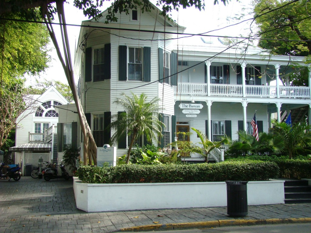 Picture of 323 Whitehead Street